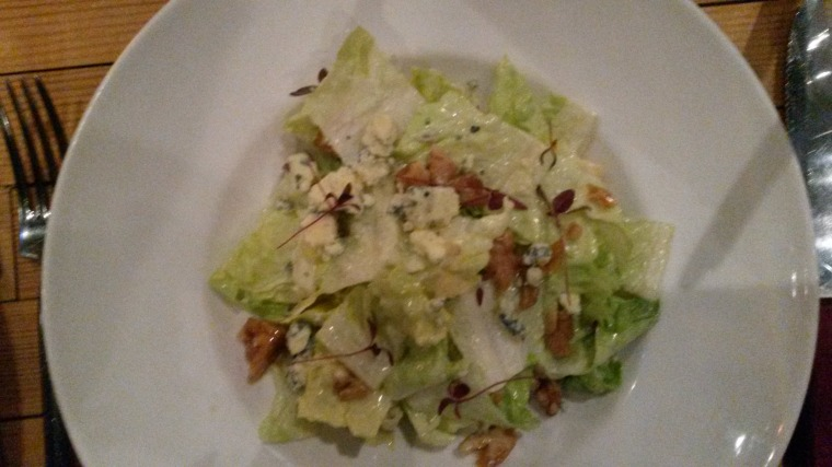 Apple and walnut salad with blue cheese