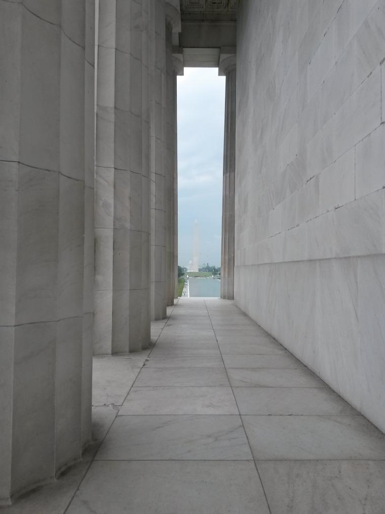 Lincoln collumns