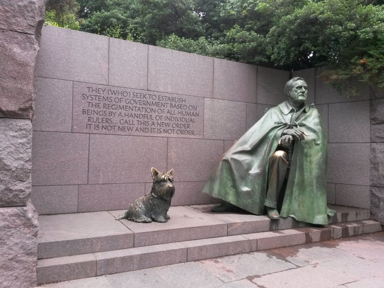 FDR and dog
